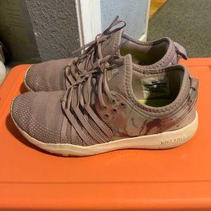 Nike women's Shoes- light mauve/lilac
